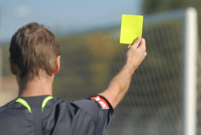 Лига Ставок ставка на желтые карточки