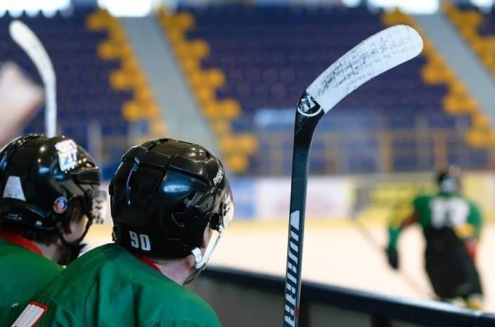 Как на 1хСтавка заключать пари на хоккей?